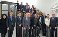 Mit den Studenten der Universität Bielefeld: Die Kooperationsmitglieder treffen sich regelmäßig und stellen somit nach- haltig und konsequent die Weichen für eine erfolgreiche Zukunft im Maler- und Lackiererhandwerk in Ostwestfalen.