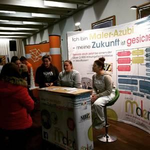 Malerinnung Bielefeld auf dem Realschultag im Berufskolleg Senne